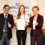 Die Realschule am Judenstein hat nun eine Wertebotschafterin