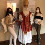 Der Nikolaus besucht die Realschule am Judenstein!